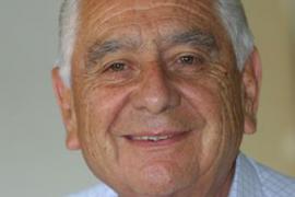 Familiares, amigos y compañeros despiden hoy al periodista Guillermo Candia