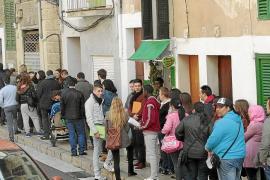 La Feria del Empleo recibe más de 10.000 currículums en una mañana