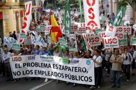 Unas 400 personas recorren el centro de Palma contra el 'Zapatazo'