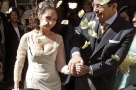 La jueza Alaya renueva sus votos matrimoniales en Sevilla