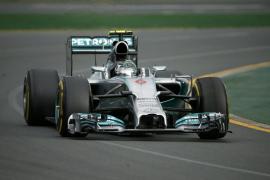 Rosberg se apunta la primera victoria tras los abandonos de Vettel y Hamilton