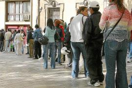 Los retornos humanitarios de inmigrantes de Balears se redujeron un 64 % en 2013