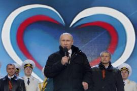 Putin se da un baño de masas para celebrar la «vuelta» de Crimea