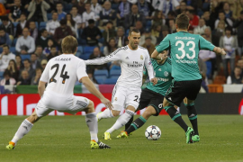 El Madrid se cuela en cuartos pero pierde a Jesé por lesión (3-1)