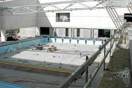 La oposición liga el «derroche energético» de la piscina de Crist Rei a fallos en la obra
