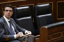 El PP impide que el Parlament solicite la dimisión de Soria por las prospecciones