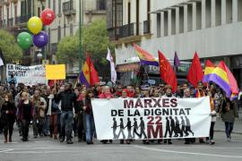 Unas 700 personas se suman a la Marcha por la Dignidad