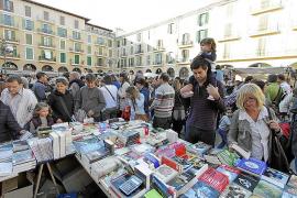 El sector del libro se suma de manera «masiva» a la celebración de Sant Jordi