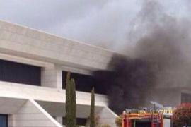 Los bomberos rescatan al madridista Jesé de un incendio en su casa