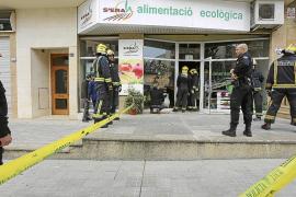 Dos encargados de una tienda de Palma consiguen escapar tras hundirse el falso techo