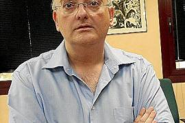 El director general d´Universitats, Miquel Deyá , en su despacho de la Conselleria d´Educació.