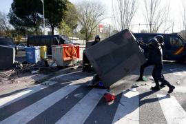 La Policía detiene a una persona con material inflamable en la Complutense