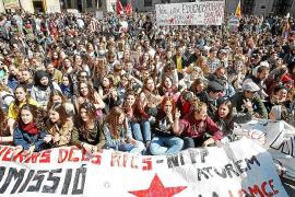 Detenciones e incidentes salpican las cerca de 50 manifestaciones de alumnos