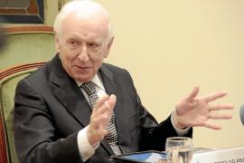 El profesor Leopoldo Abadía prevé la recuperación de España en el 2017
