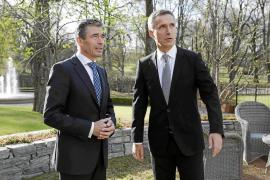 La OTAN nombra al excanciller noruego Stoltenberg como secretario general