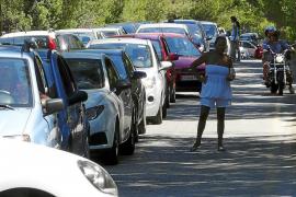 Campos habilitará un parking en el pueblo para frenar la masificación de ses Covetes y es Trenc