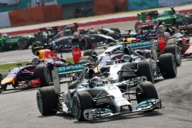 Hamilton ganó con autoridad en un doblete de Mercedes, mientras que Alonso fue cuarto