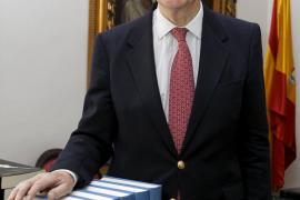 Muere Gonzalo de Anes, director de la Real Academia de la Historia