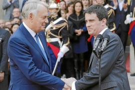 Bruselas urge a Francia a que cumpla con el déficit y acelere las reformas