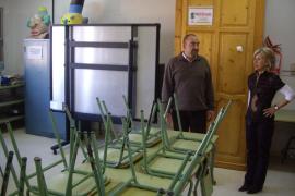 Dimite Fernando Alcántara, representante del Govern en el Consell Escolar