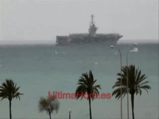 El portaaviones USS Harry S. Truman  hace escala en el puerto de Palma