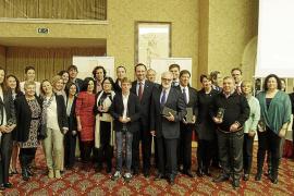 Reconocimiento a la labor de los centros y de los profesionales de la sanidad en Balears