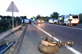 Un conductor ebrio provoca el vuelco de dos vehículos en la carretera de Cap Blanc