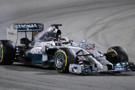 Hamilton y Rosberg firman el segundo doblete de Mercedes mientras Alonso acaba noveno