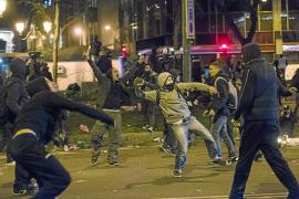 La violencia más profesionalizada busca hueco en la protesta ciudadana