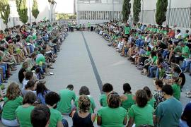 Los docentes públicos proponen un aprobado general para presionar al Govern