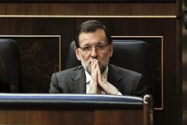 Rajoy cierra la puerta a la consulta e invita a pedir una reforma constitucional