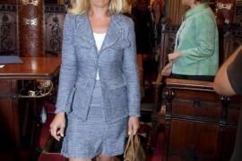 Una jueza imputa a la teniente de alcalde San Gil en la investigación de las oposiciones