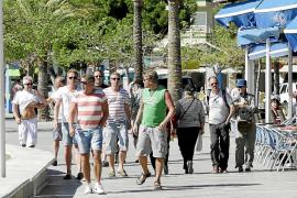 El alza del turismo español, nórdico y alemán salva la Semana Santa en la Isla