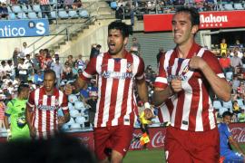 El Atlético, con oficio y sin brillo, da un paso más hacia el título