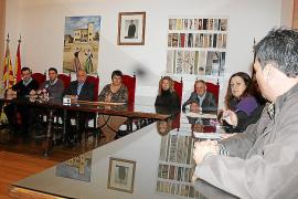 El Ajuntament de ses Salines exige al Govern el cese del director del colegio de la Colònia