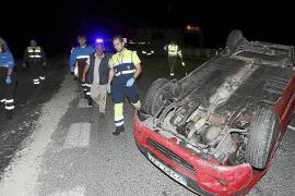 Herido un conductor tras volcar en una zona en obras de la autovía de Inca