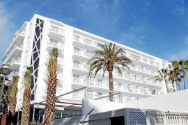 El hotel Riu San Francisco cambia su fisonomía tras una inversión de 8 milones