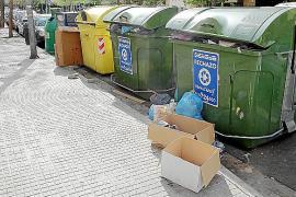 palma local basura sin recoger en la calle joan gris foto miquel a.