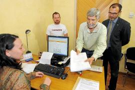 El PSM recoge 300 firmas en contra de las obras en las dunas de Camp de Mar