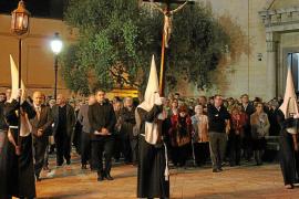 Máximo recogimiento y silencio en el Via Crucis de Inca
