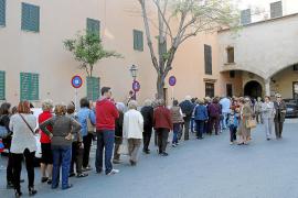 Cientos de personas participan en el Davallament del Crist de la Sang