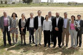 El Govern se acerca a la realidad turística de Cala Rajada y Cala Millor