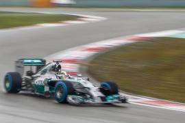 Hamilton logra la 'pole' para Shanghái, Alonso saldrá quinto