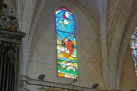 La parroquia de Sant Miquel luce un nuevo vitral dedicado a Ramon Llull