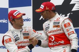 Red Bull pone  en bandeja el doblete a MacLaren-Mercedes