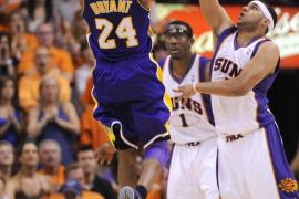 Bryant y Artest pusieron a los Lakers en las Finales