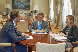 Pastor anuncia más incentivos para potenciar los vuelos con Balears