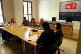 El PSOE pide la retirada de la ley de consells y que el Govern pague sus deudas