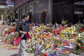 Unas 53.000 personas dieron el adiós a Vilanova en el Camp Nou