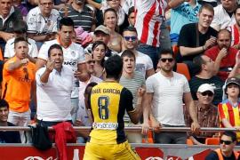 Un gol de Raúl García acerca al Atlético al título
